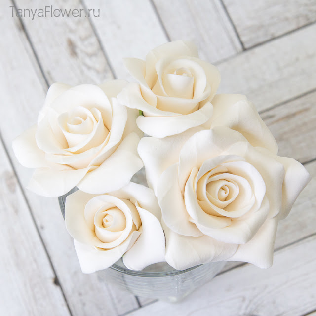 шпильки с розами из полимерной глины на свадьбу