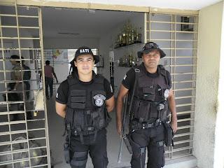 ARARIPINA-PE: Policiais Militares do GATI prendem assaltantes e recupera veículo tomado de assalto na cidade de Crato-CE