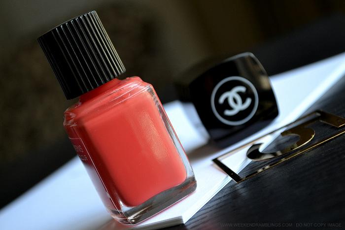 Chanel Le Vernis Nail Polish Colour - Lilis 647 - LEte Papillon de Chanel Makeup Collection Summer 2013 - Indian Beauty Blog Reviews Swatches NOTD Photos