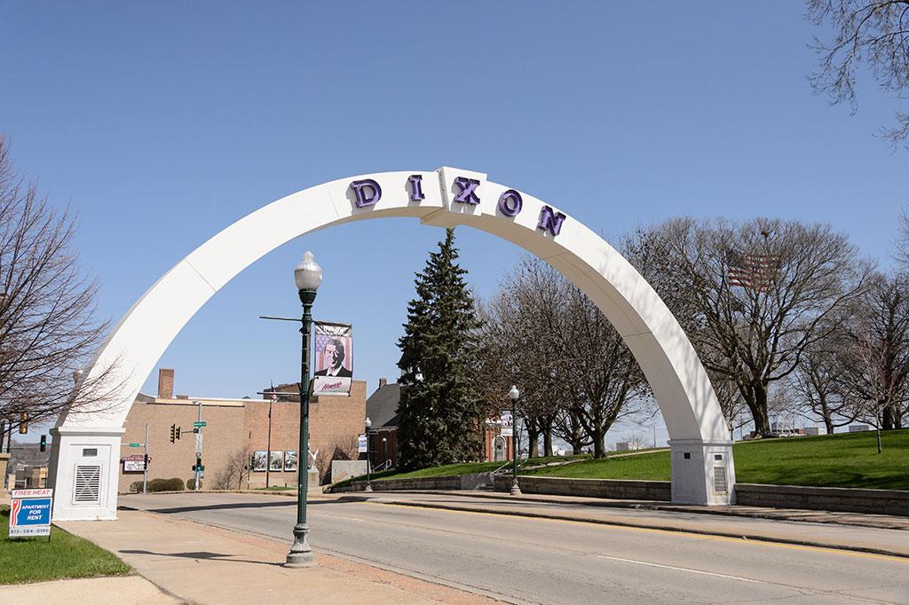 War Memorial Arch in Dixon, IL