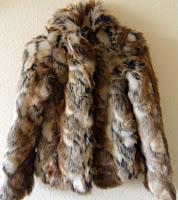 blog, moda, low cost, rebajas, saldos, chollos, moda a buen precio, fondo de armario, chaquetón, pelo, Pepe Jeans