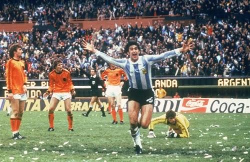 Mario Kempes marcou 1° gol na final da copa do mundo 1978