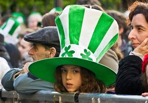 Frases De st-st patrick-saint patrick: Happy St Patick's Day Visitors Wearing