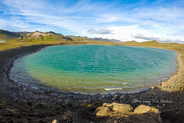 honeymoon-iceland-reykjanes-peninsula-Grænavatn