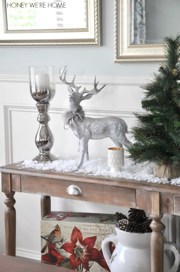 Decorating console table for christmas for Console table decor ideas