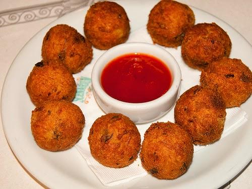 bolinhos-de-bacalhau-codfish-bites-brazilian-food-recipes