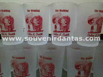 souvenir pernikahan gelas