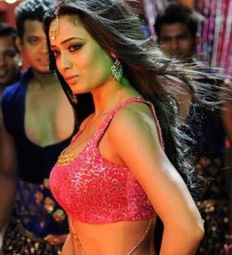 Shweta Tiwari Hot Item Girl Pics