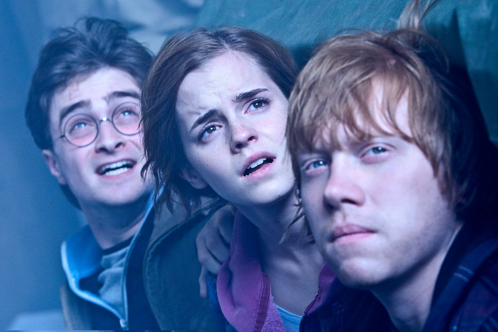 http://4.bp.blogspot.com/-XdD_SYomhoA/Th8AGhC8Q2I/AAAAAAAAASA/gEqmv6miMzQ/s1600/daniel-radcliffe-rupert-grint-emma-watson-harry-potter-and-the-deathly-hallows-part-2-image-2.jpg