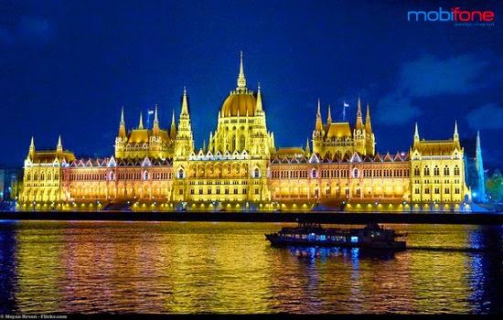 Du lịch Châu Âu miễn phí với dịch vụ sôi động mùa lễ hội của Mobifone