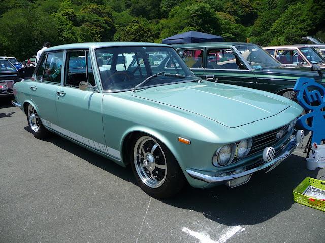 Mazda Luce I stary japoński samochód oldschool klasyk
