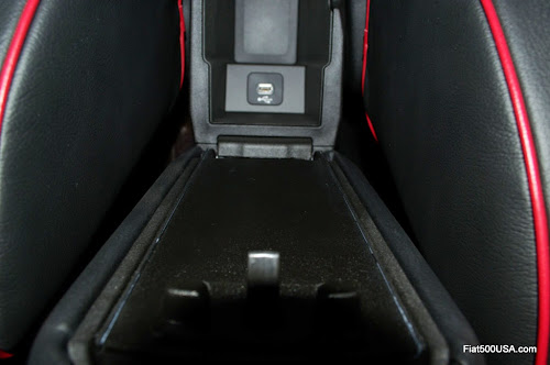 Fiat 500X Center Armrest USB Charging Port