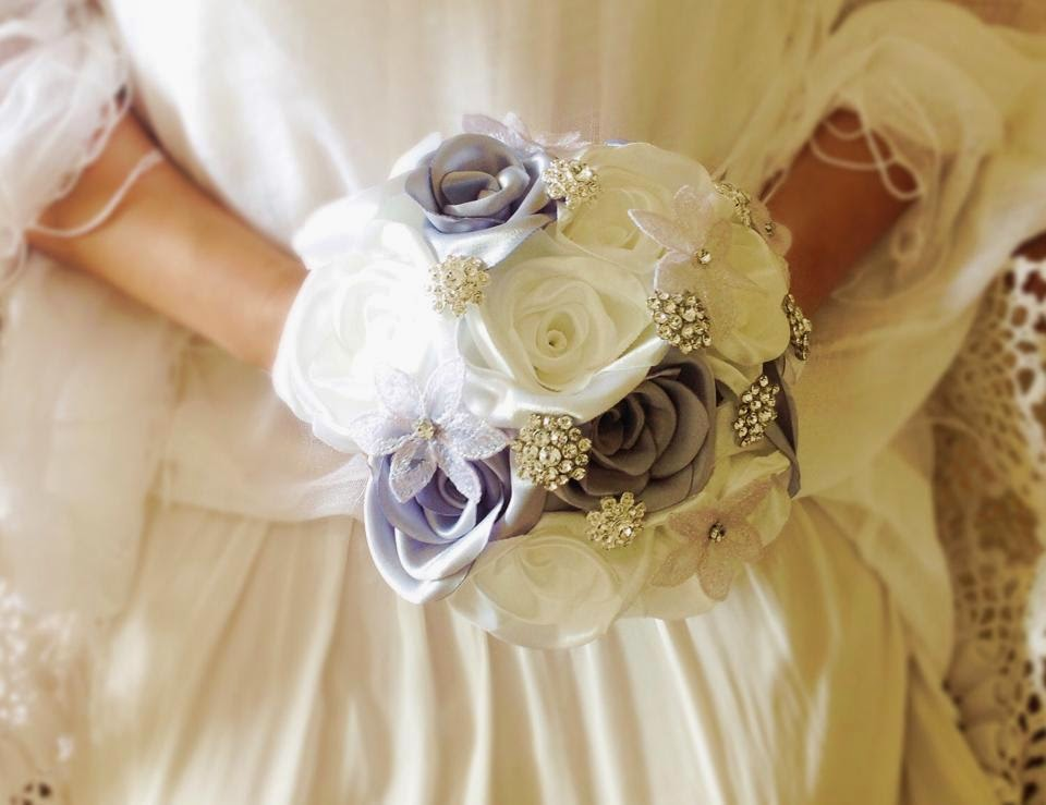 Brooch and fabric bouquet silver and white