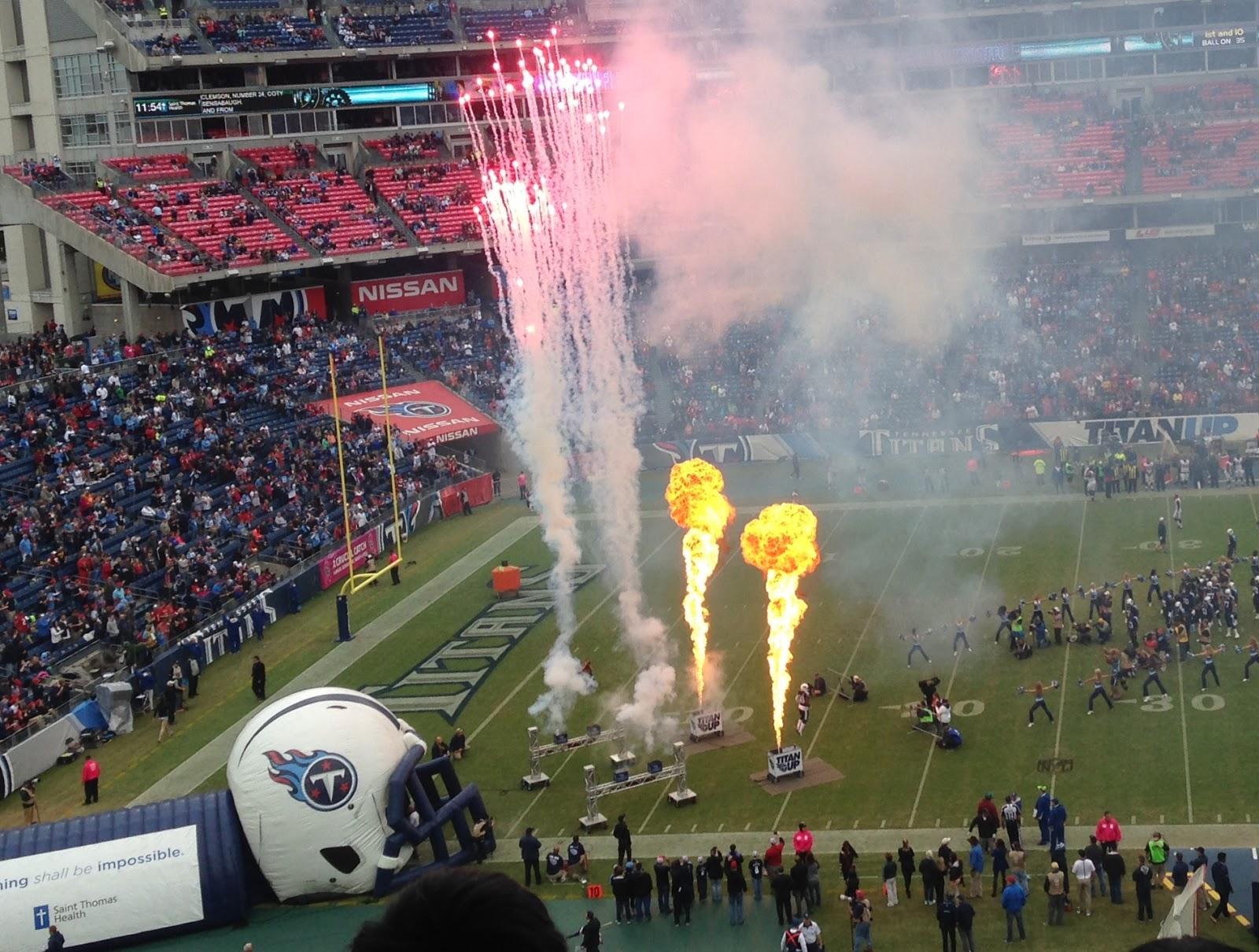 NFLテネシータイタンズの試合、...
