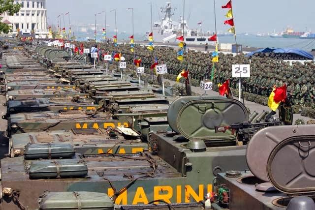 Tank BMP 2 Marinir TNI AL