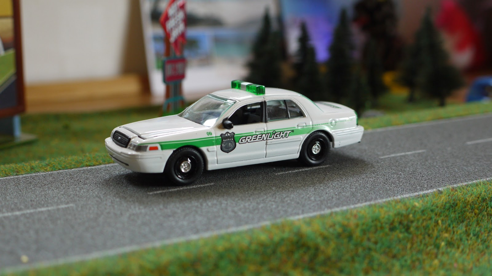 2006 Ford Taurus >> Diecast cars 1/64, Modellautos 1:64, Modellbilar 1:64