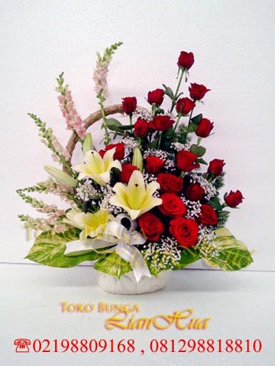bunga meja buat ulang tahun ibu, karangan bunga untuk ibu, bunga ulang tahun buat bos, toko bunga