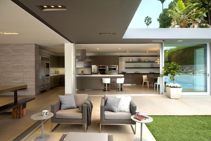 Terrace of Beautiful Modern Home by Shubin + Donaldson Architects