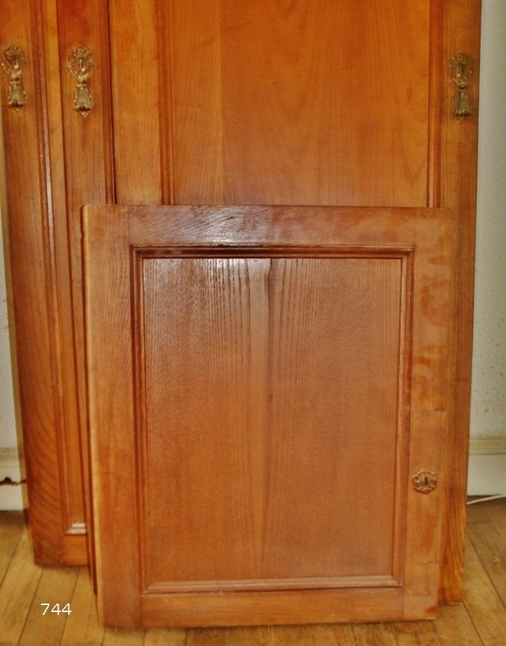 Sietecuatrocuatro reciclando unas puertas de un armario de casta o en espejos - Puertas de castano ...