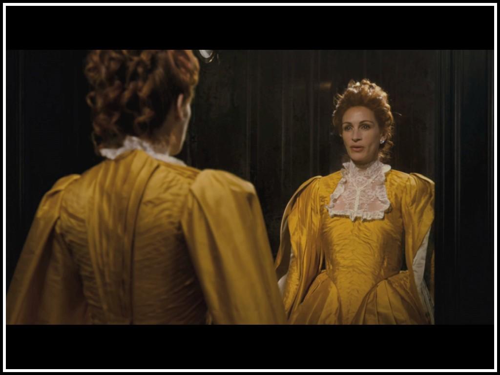 http://4.bp.blogspot.com/-XeqQdaU-bh4/T401qLEQq3I/AAAAAAAADBM/wOGu5Ffqvj8/s1600/julia-roberts-as-evil-queen-in-mirror-mirror.jpg