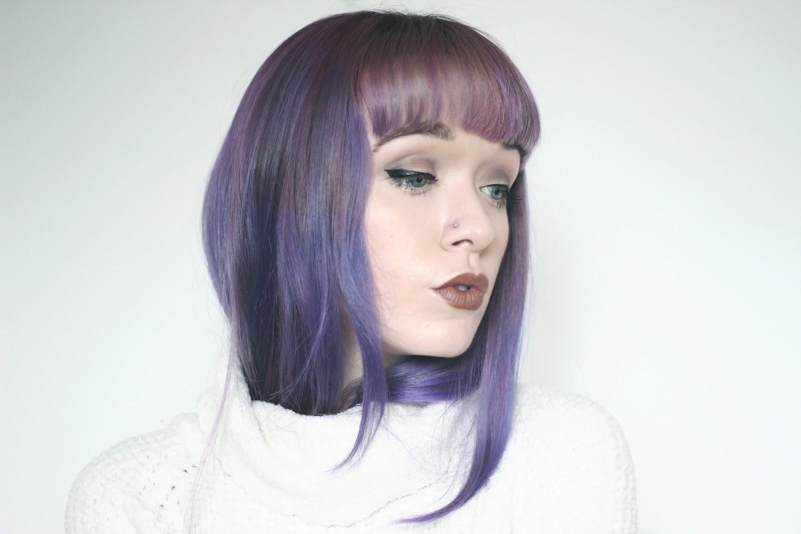 Grunge-Everyday-Make-Up-mac-cork-lipliner