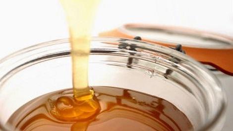 هذا مايحدث فى جسمك بعد تناول ملعقة من عسل النحل