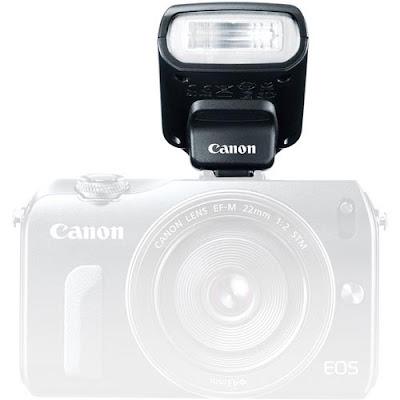 Fotografia del flash esterno dedicato per la Canon EOS-M