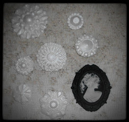 Vintage Brooches Cupcake Toppers