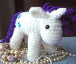 http://translate.googleusercontent.com/translate_c?depth=1&hl=es&rurl=translate.google.es&sl=auto&tl=es&u=http://sheepdogsfleece.blogspot.com.es/2013/12/white-unicorn.html&usg=ALkJrhg7gGB-c6aBRLeFogwiSMUmYFRYaw