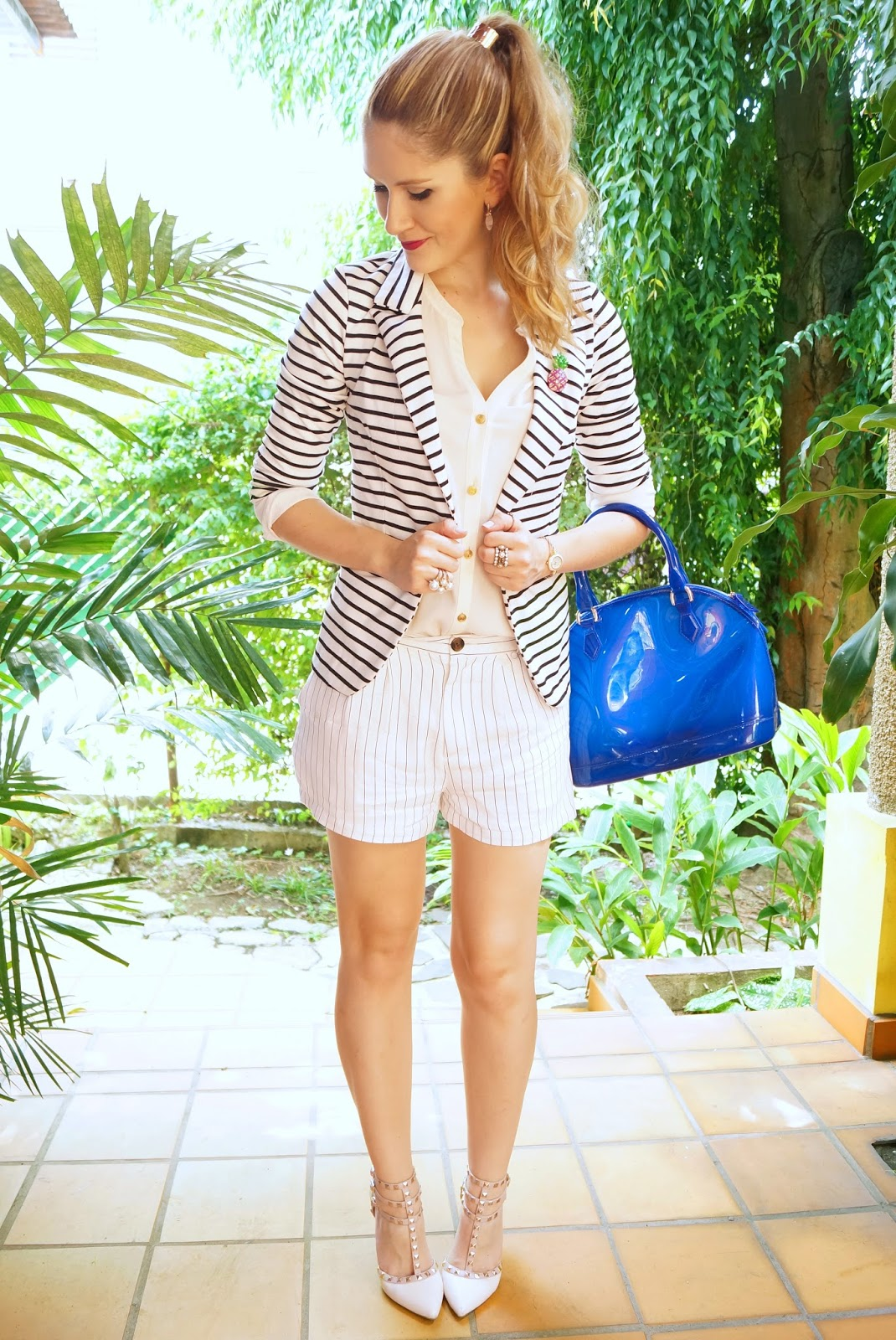 Shorts mixed with Blazers look so chic and up to date; kudos if you can mix patterns as well!