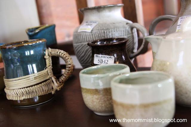 Glazed ceramic wares