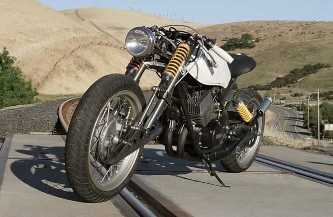 Julian Farnam's Custom Yamaha RD400 | Yamaha RD400 | Custom Motorcycle | Custom Bike | custom Yamaha RD400