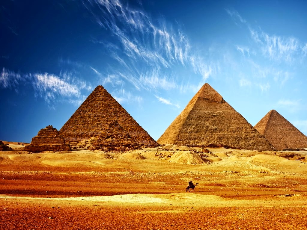 Great pyramid of Giza necropolis, Pyramid of Khufu, Cheops, Menkaure, Khafre under blue sky