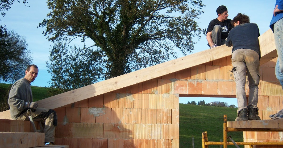 Andocarpinteando tejado con aislante de fibras de madera for Tejados de madera vizcaya
