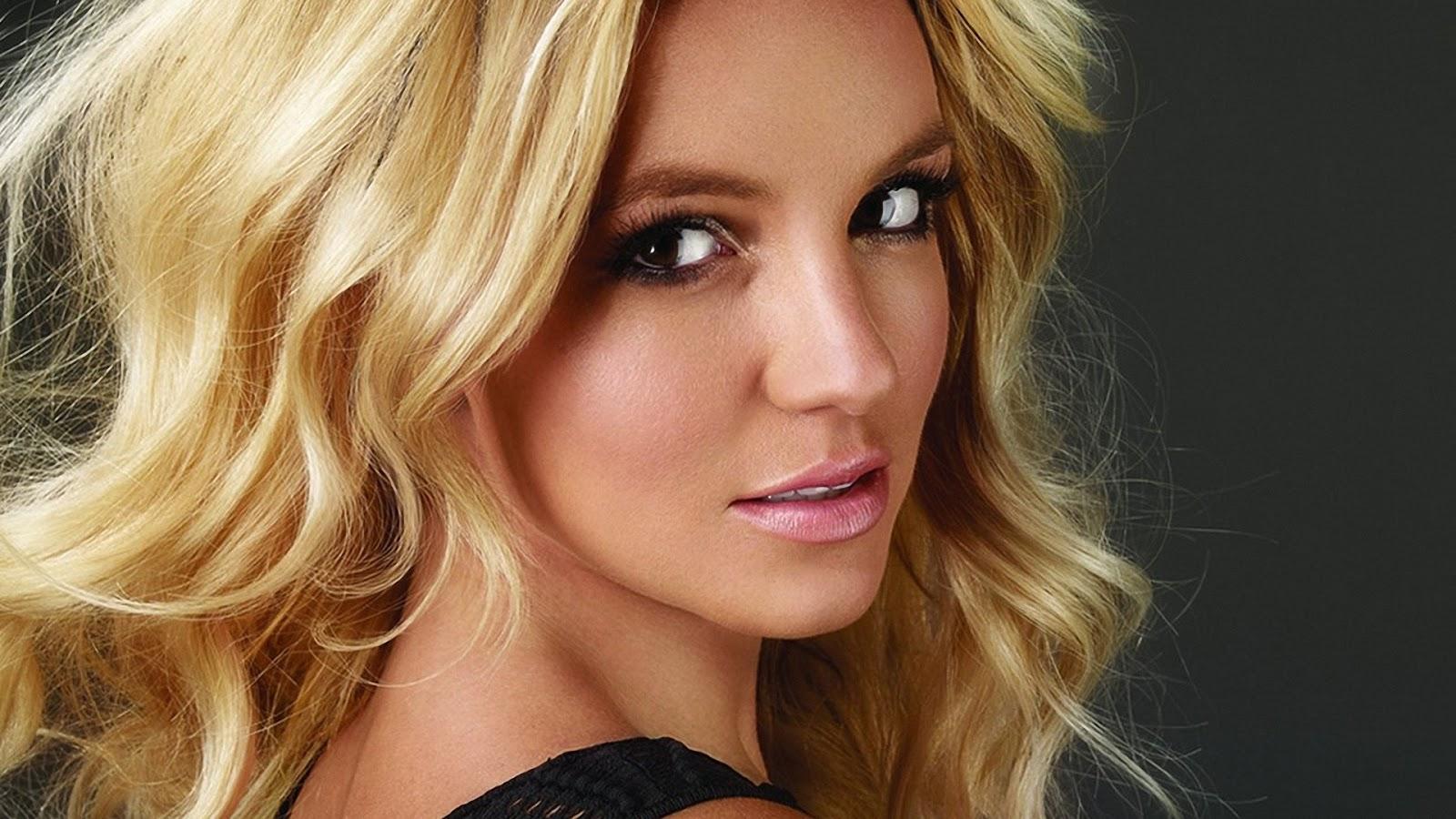 Britney spear: Britney Spears lips Britney