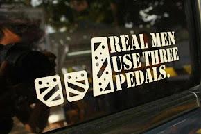 Los hombres de verdad usan tres pedales