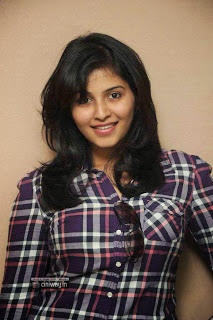 Actress-Anjali-Stills-at-Red-FM-7th-Anniversary