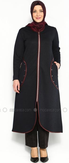 Koleksi Baju Muslim Trendy untuk Wanita Gemuk