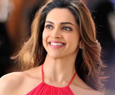 Deepika Padukone Artis Bollywood Tercantik dan Terpanas