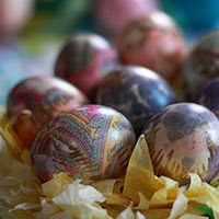 How to Dye Eggs with Old Neckties