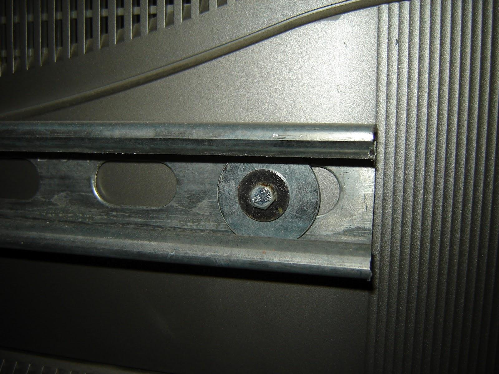 http://4.bp.blogspot.com/-Xgqg39lVvR8/T5ngbo7VijI/AAAAAAAAB1s/B9_IPhFR_1I/s1600/TV+Wall+mount+screw.JPG