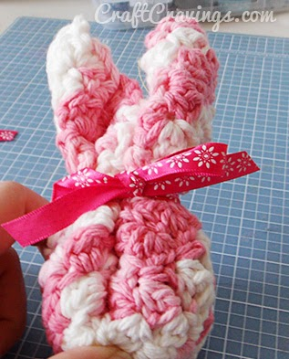 http://craftcravings.com/super-cute-washcloth-bunnies-tutorial/