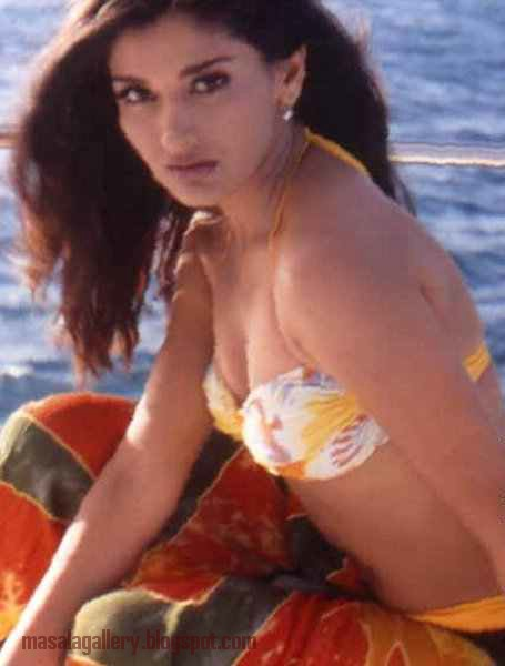 sunali bendri hot sexy nude photos