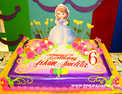 Goldilocks Cake Design For 60th Birthday : Goldilocks Costume Cake Ideas and Designs