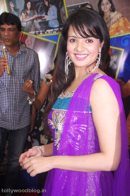 Saloni  - Saloni Latest Cute Pics