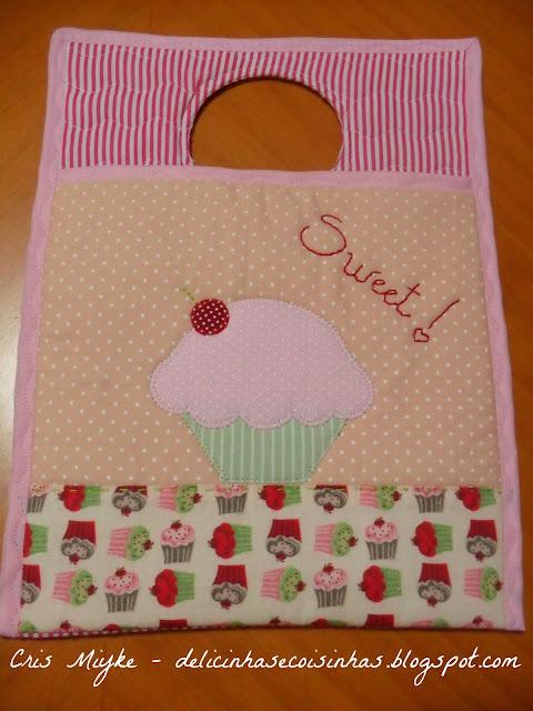 Delicinhas e Coisinhas: Lixinho para Carro com PatchApliquê - Cupcake ...