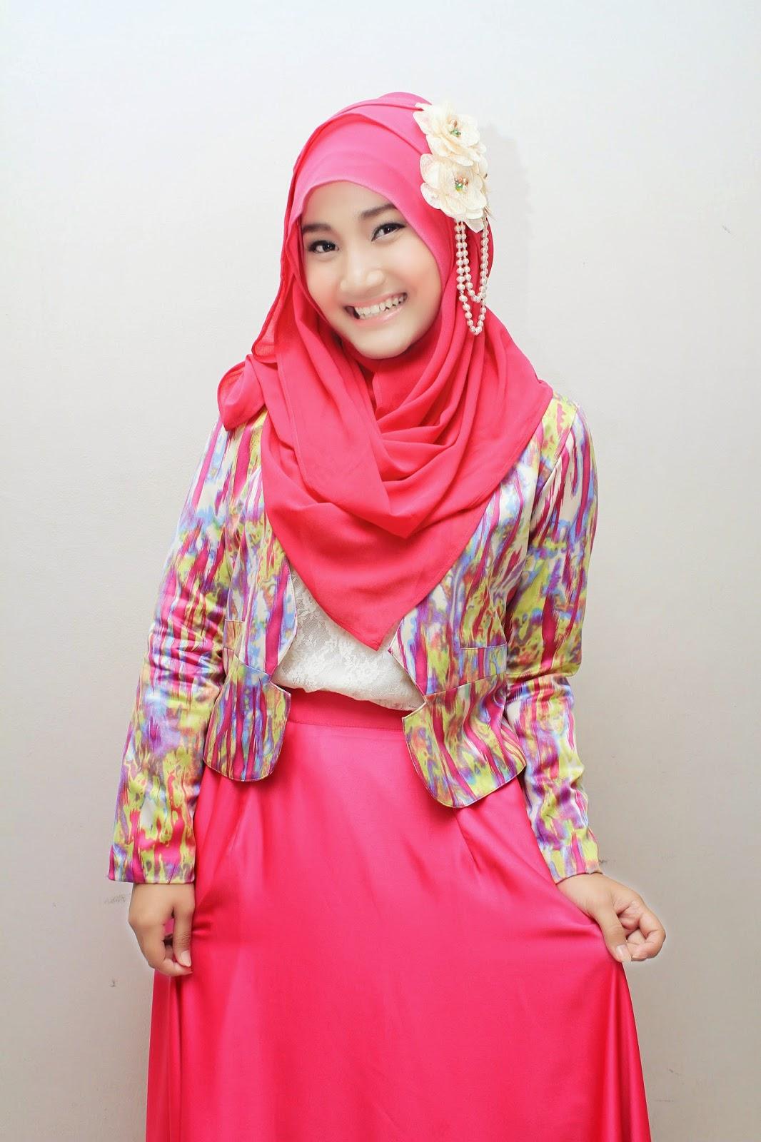 Hijab penyanyi biduan dangdut