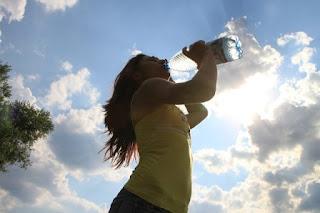 Manfaat Minum Air Putih Bagi Tubuh Anda