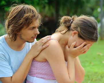 Alasan Pria Benci Melihat Wanita Menangis [ www.Bacaan.ME ]