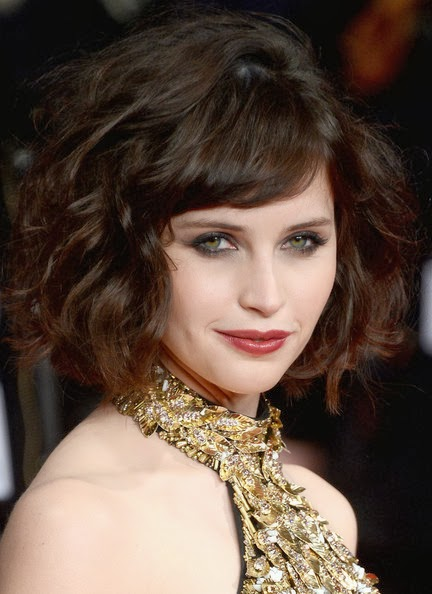 Felicity Jones Short Wavy Cut Hairstyle